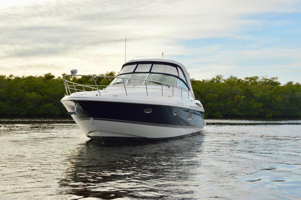 2008 Cruisers Yachts 420 Express Image Thumbnail #13