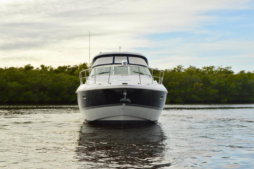 2008 Cruisers Yachts 420 Express Image Thumbnail #12