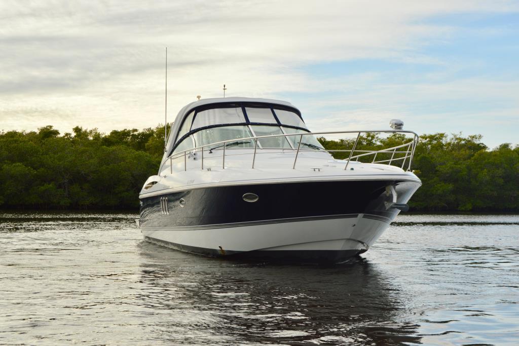 2008 Cruisers Yachts 420 Express Image Thumbnail #4