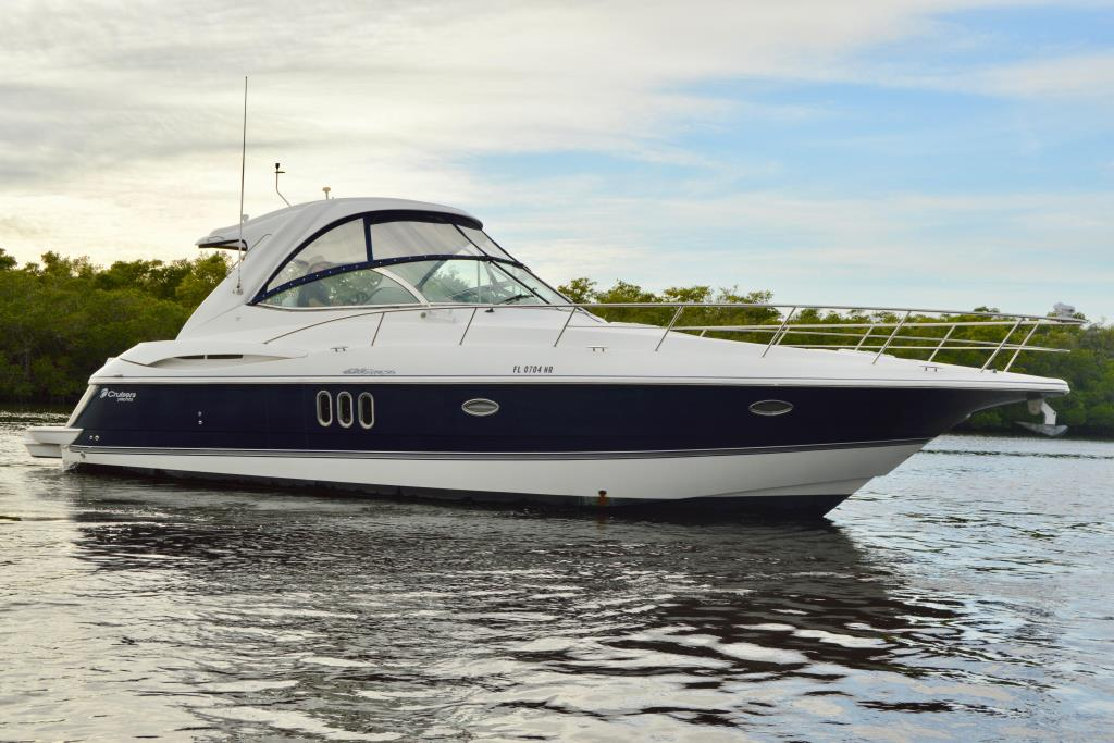 2008 Cruisers Yachts 420 Express Image Thumbnail #9