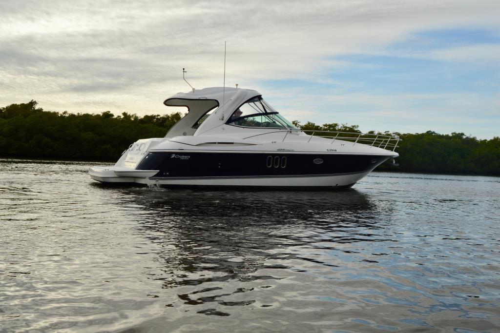 2008 Cruisers Yachts 420 Express Image Thumbnail #6
