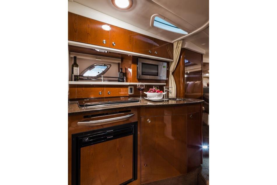 2014 Sea Ray 330 Sundancer Image Thumbnail #19