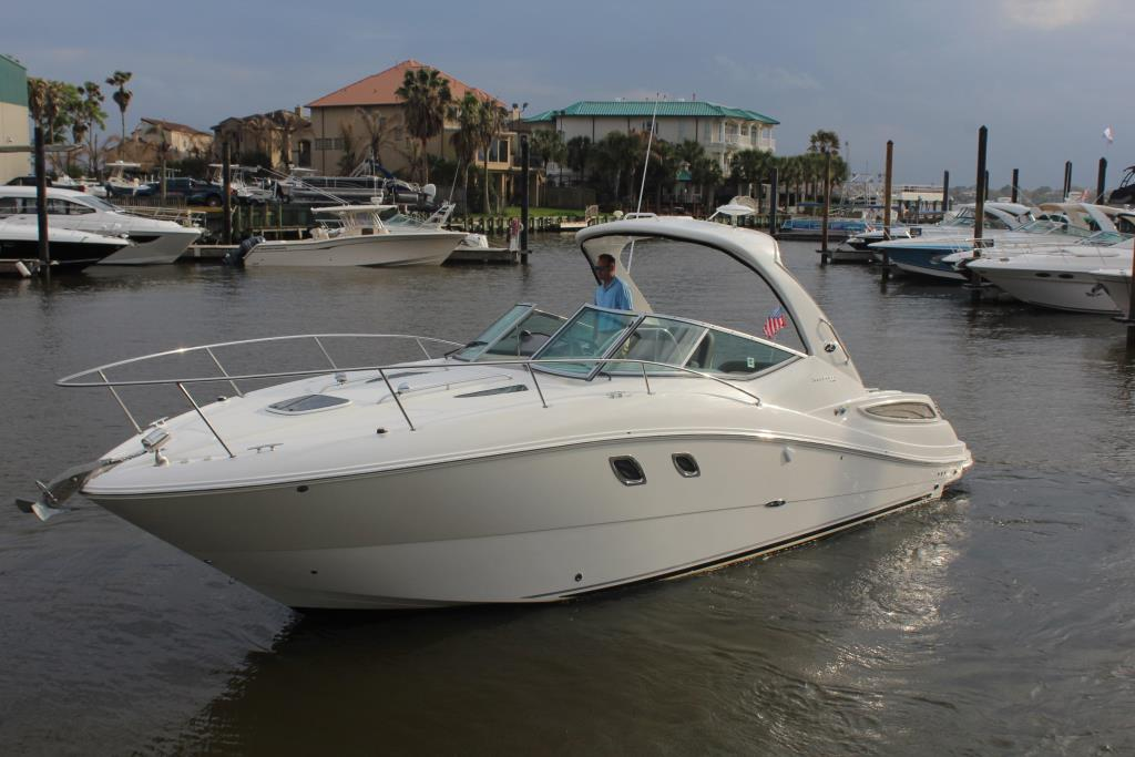 Thumbnail 2 for 2014 Sea Ray 330 Sundancer