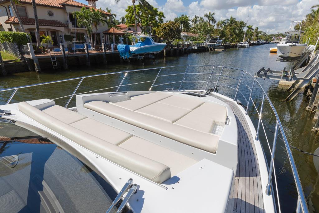Photo 23 for 2016 Azimut 55S