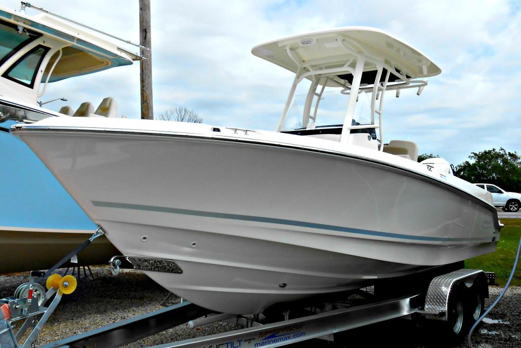 2018 Boston Whaler 230 Outrage