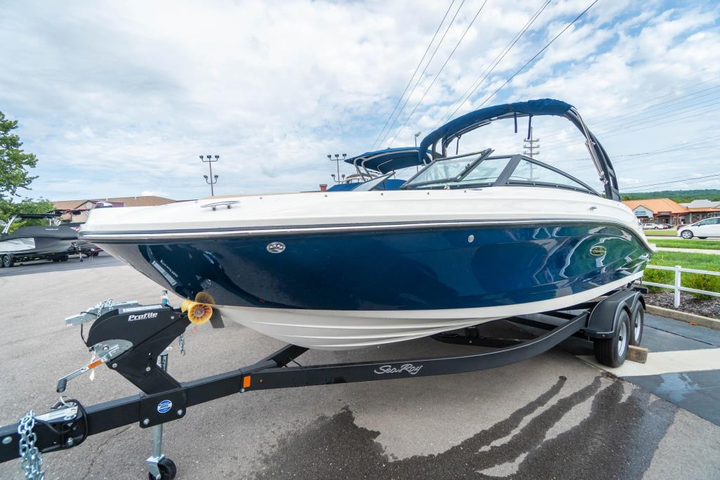 2018 Sea Ray                                                              SPX 230 Image Thumbnail #2