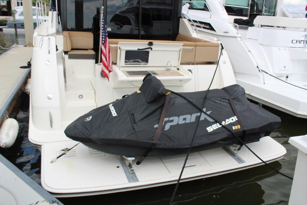 2016 Sea Ray 400 Sundancer Image Thumbnail #23