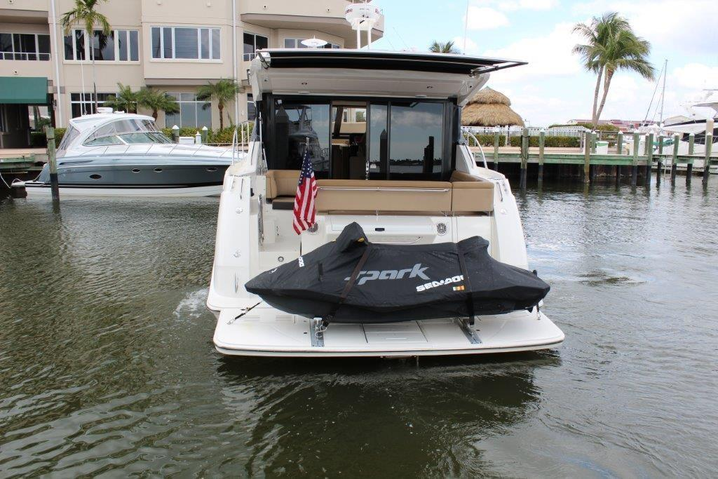 2016 Sea Ray 400 Sundancer Image Thumbnail #8