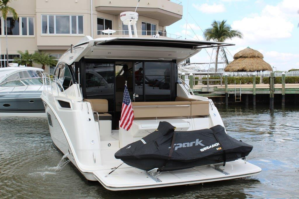 2016 Sea Ray 400 Sundancer Image Thumbnail #12