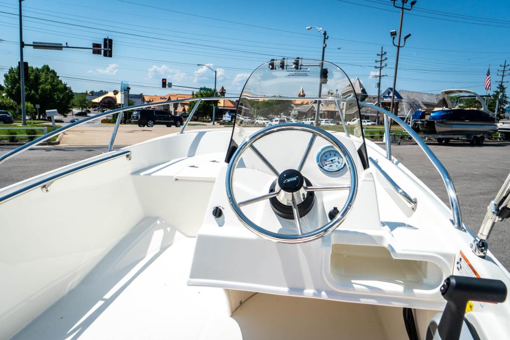 2018 Boston Whaler 130 Super Sport Image Thumbnail #14