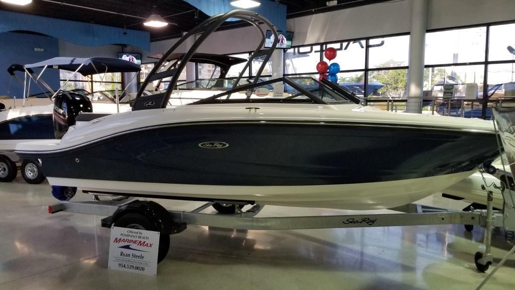2019 Sea Ray SPX 190 Outboard Image Thumbnail #0