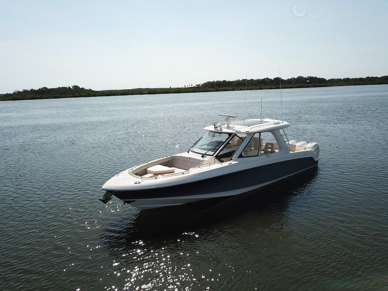 Photo 6 for 2021 Boston Whaler 380 Realm