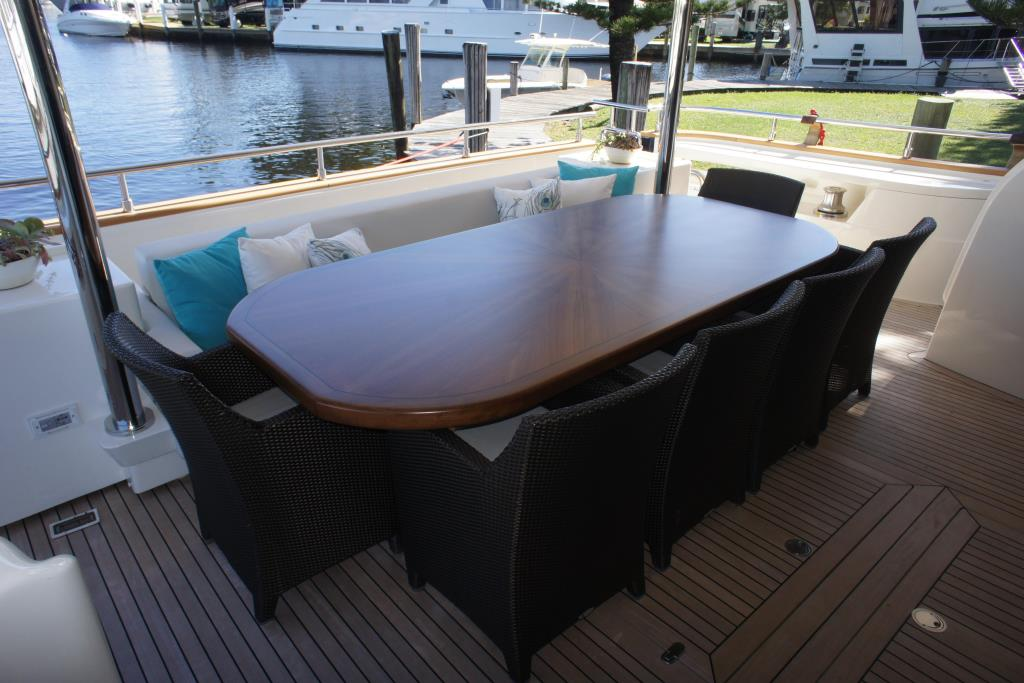 Photo 7 for 2012 Ferretti Yachts Custom Line 100