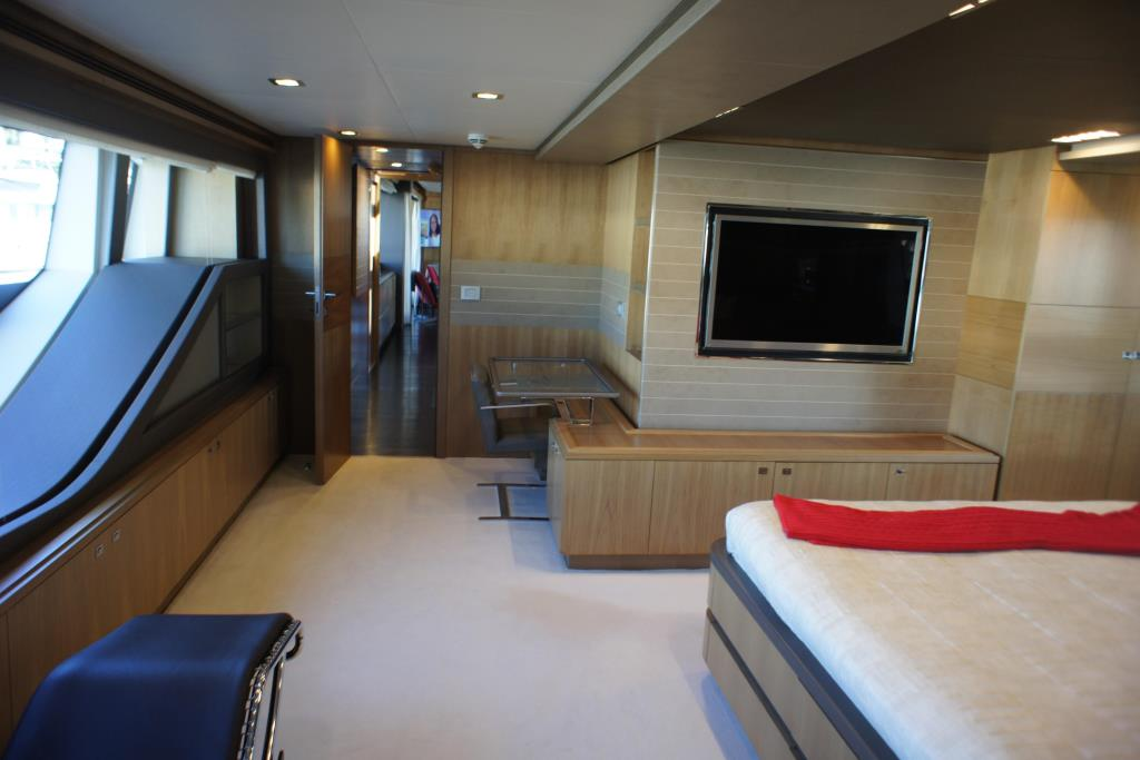 Photo 61 for 2012 Ferretti Yachts Custom Line 100