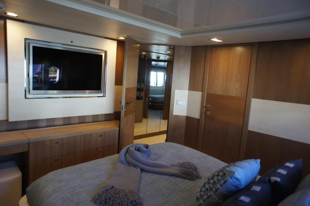 Photo 66 for 2012 Ferretti Yachts Custom Line 100