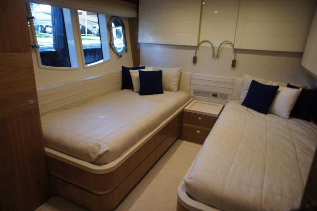 Photo 80 for 2012 Ferretti Yachts Custom Line 100