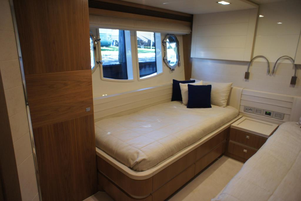 Photo 81 for 2012 Ferretti Yachts Custom Line 100