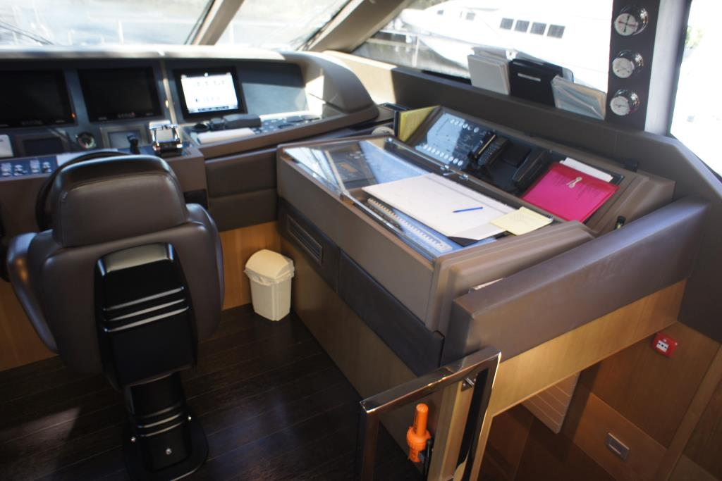 Photo 91 for 2012 Ferretti Yachts Custom Line 100