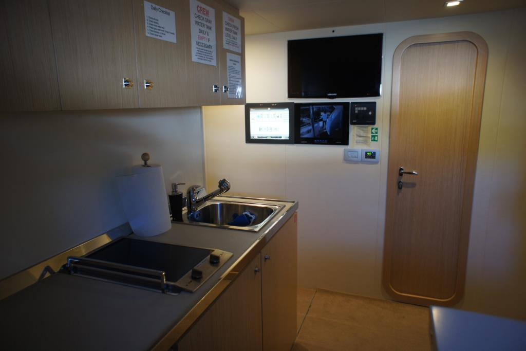 Photo 97 for 2012 Ferretti Yachts Custom Line 100