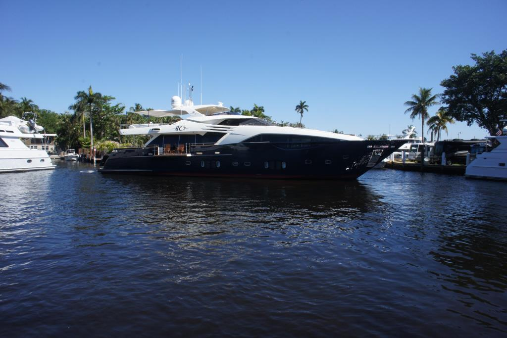 Photo 117 for 2012 Ferretti Yachts Custom Line 100