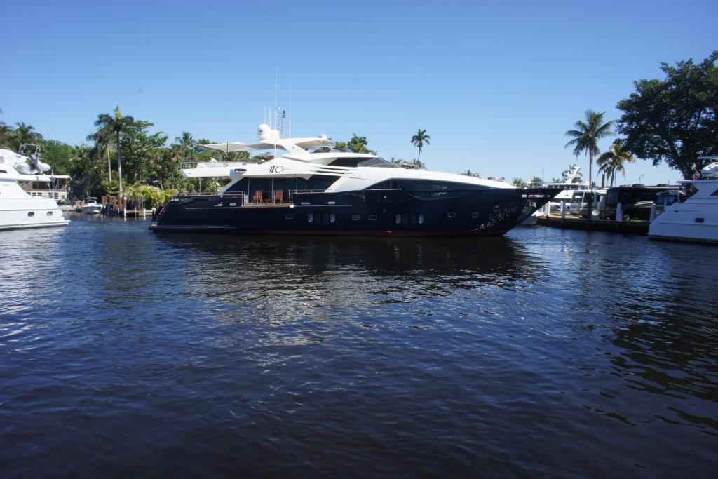 Photo 118 for 2012 Ferretti Yachts Custom Line 100