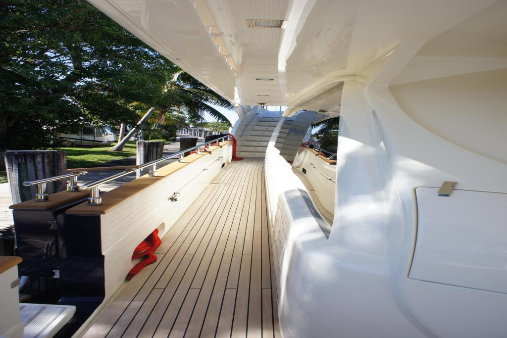 Photo 16 for 2012 Ferretti Yachts Custom Line 100