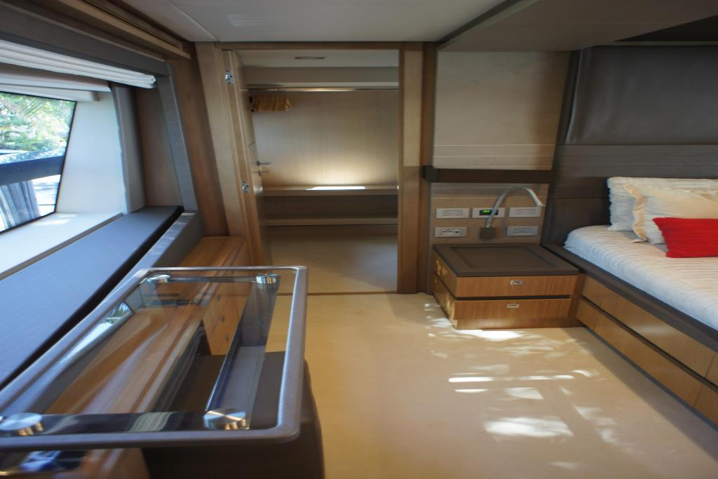 Photo 54 for 2012 Ferretti Yachts Custom Line 100
