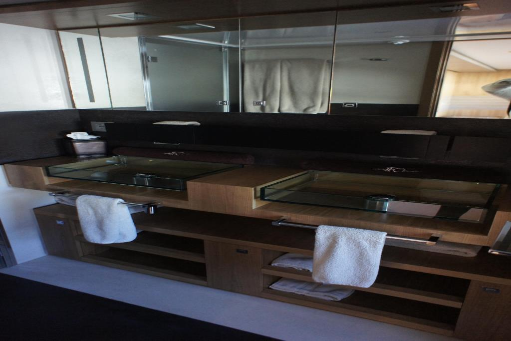 Photo 57 for 2012 Ferretti Yachts Custom Line 100