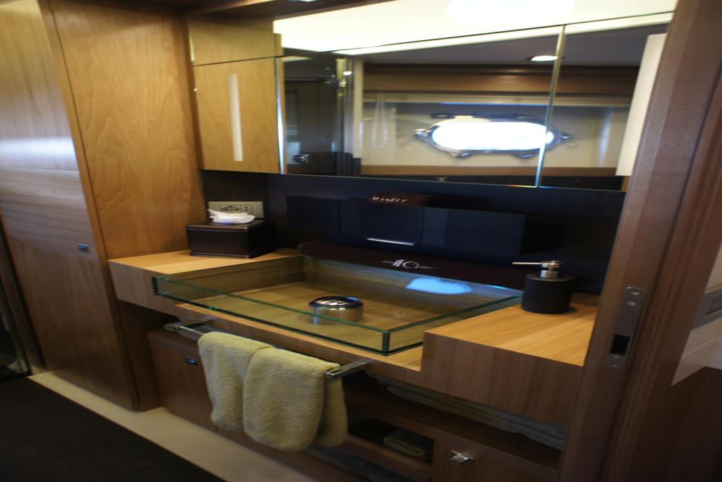 Photo 88 for 2012 Ferretti Yachts Custom Line 100