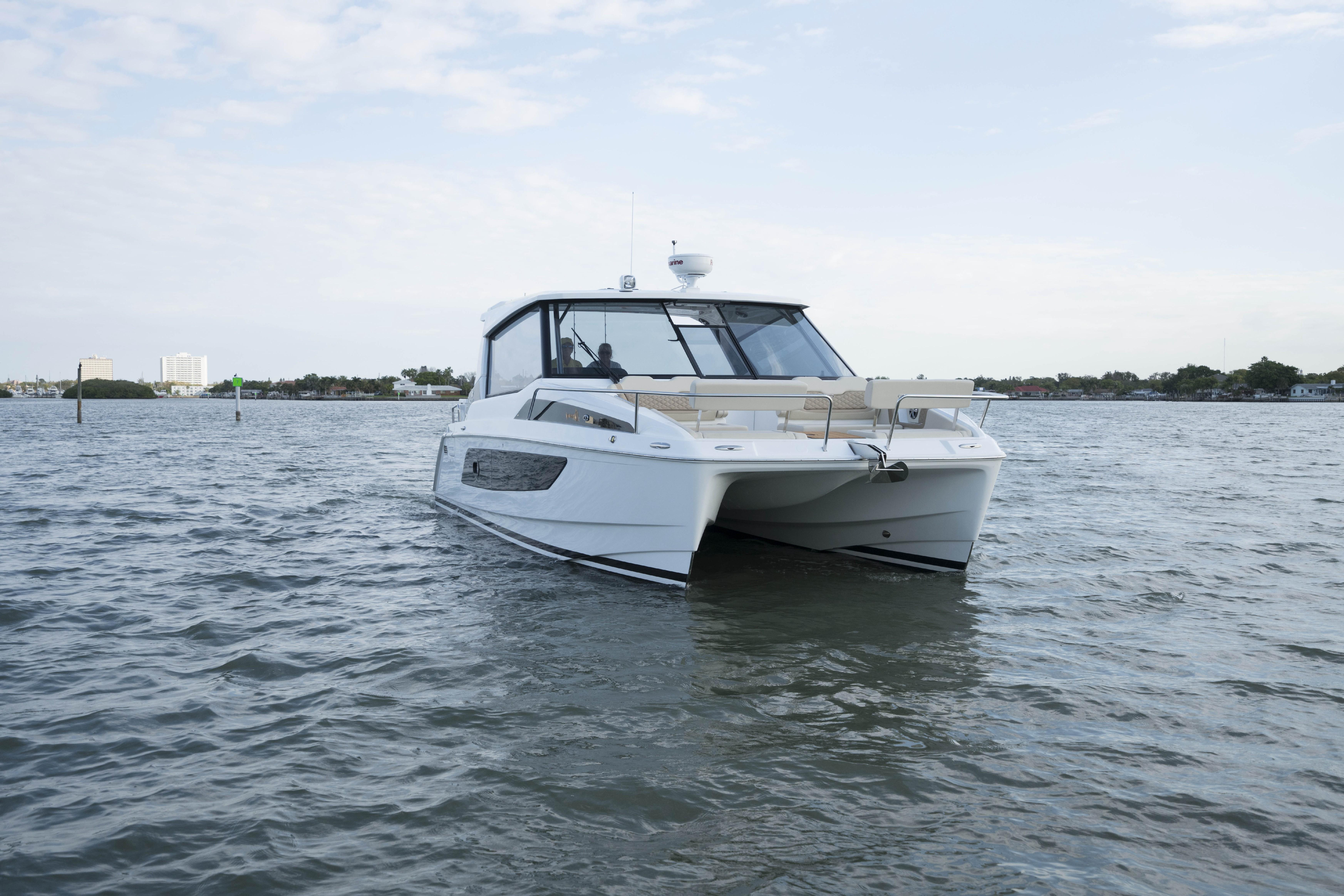 2019 Aquila 36 Fishing and Diving