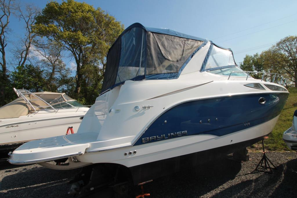 2012 Bayliner 335 SPORT BRIDGE Image Thumbnail #0