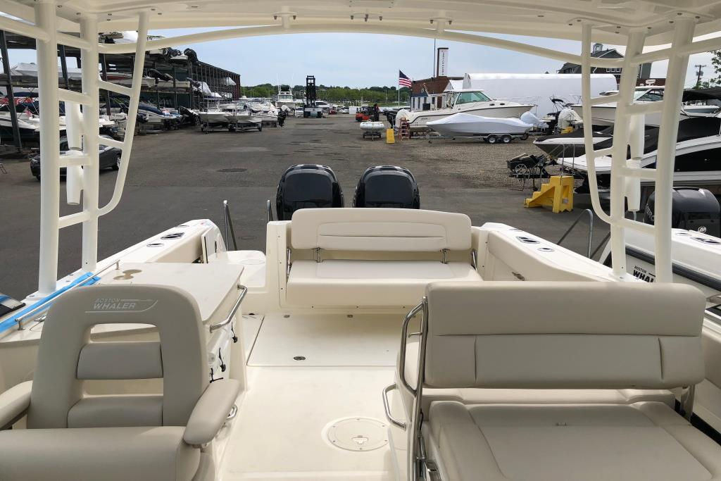 2018 Boston Whaler 270 Vantage Image Thumbnail #4