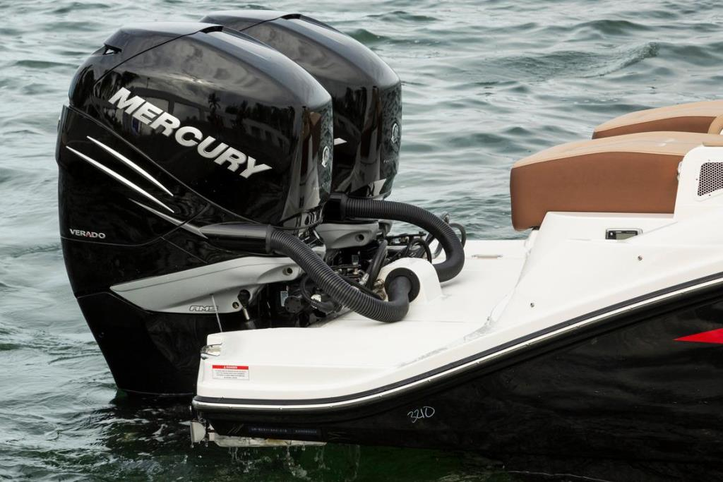 2019 Sea Ray SDX 290 Outboard Image Thumbnail #9