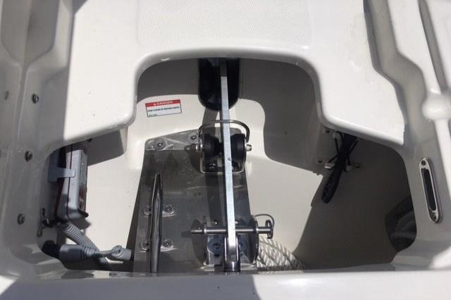 2018 Boston Whaler 270 Vantage Image Thumbnail #8