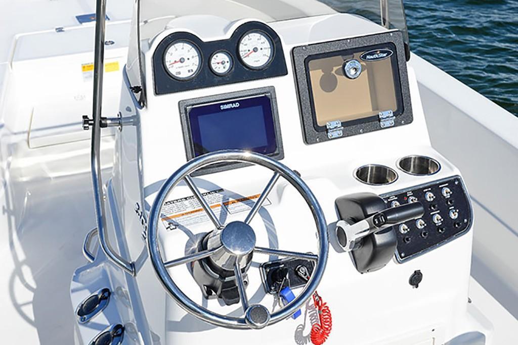 2020 NauticStar                                                              2400 Sport Image Thumbnail #5
