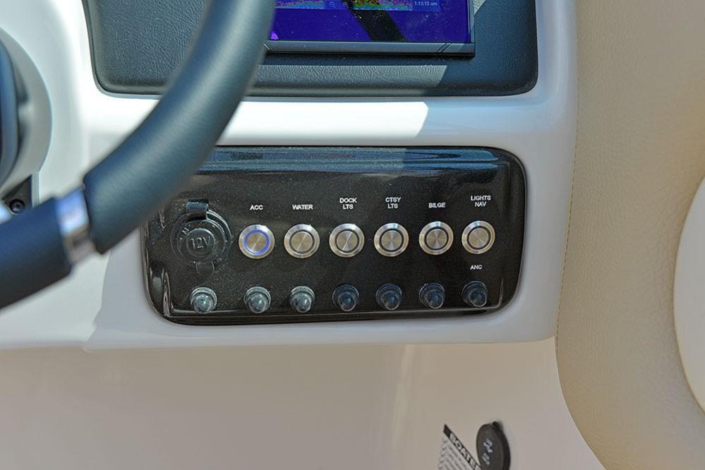 2020 NauticStar                                                              243DC Sport Deck Image Thumbnail #12