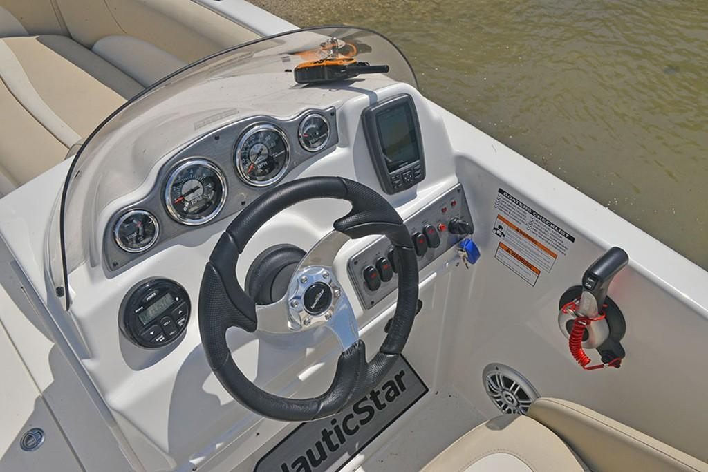 Photo 19 for 2021 NauticStar 193 Side Console