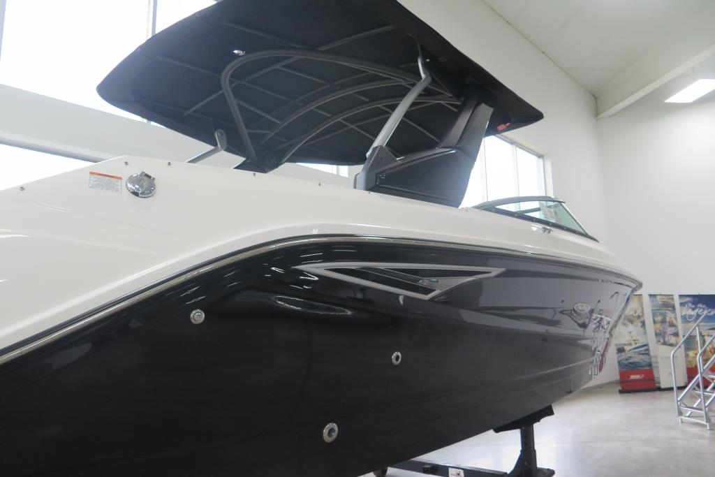 2019 Sea Ray SLX 280 Image Thumbnail #1