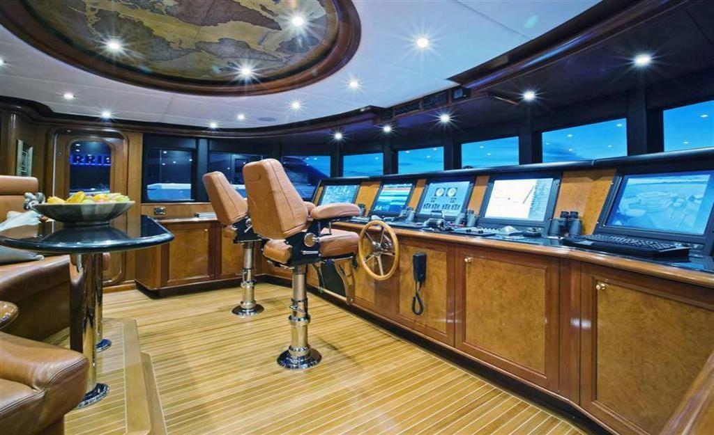 2010 Trinity Yachts Tri-Deck MY Image Thumbnail #12