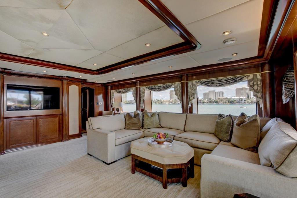 2010 Trinity Yachts Tri-Deck MY Image Thumbnail #8
