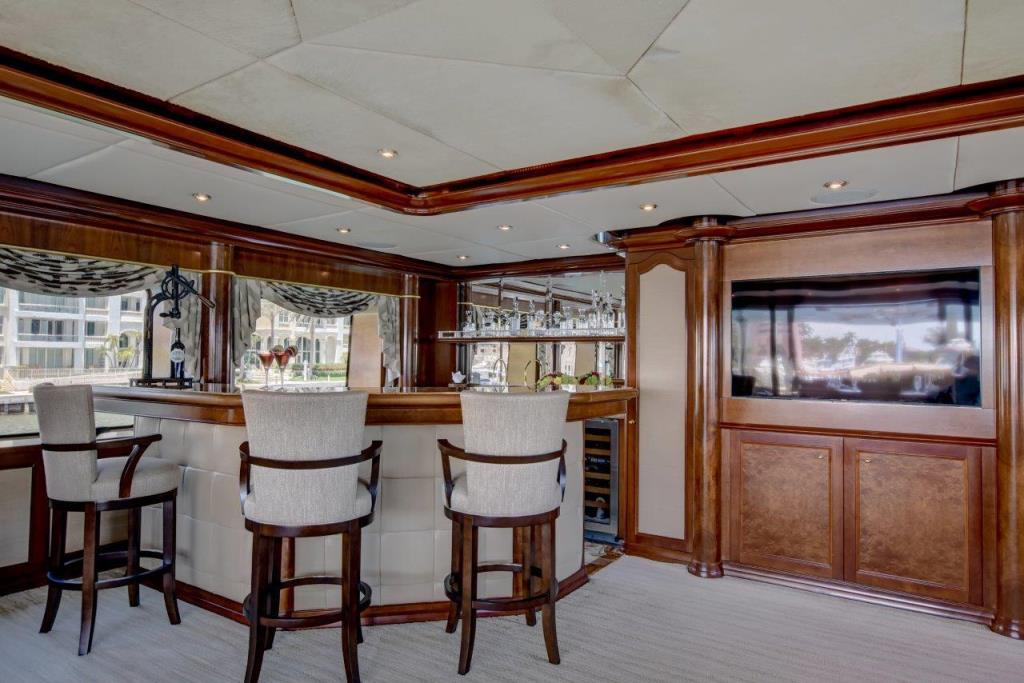 2010 Trinity Yachts Tri-Deck MY Image Thumbnail #7