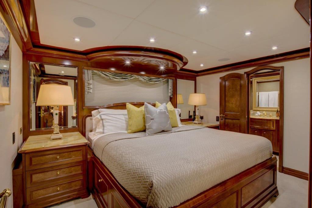 2010 Trinity Yachts Tri-Deck MY Image Thumbnail #28
