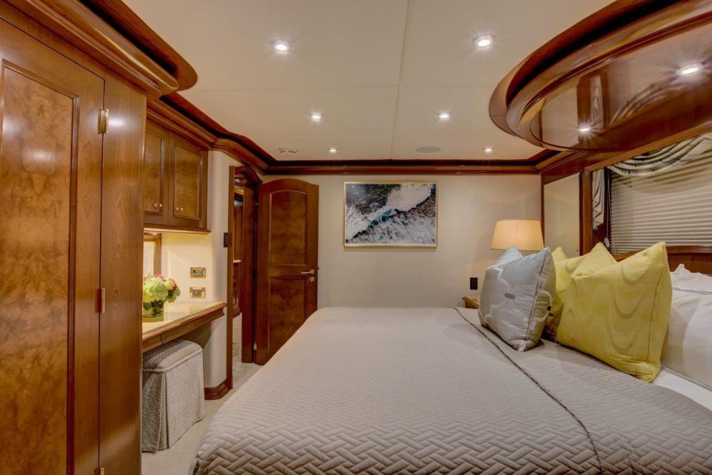 2010 Trinity Yachts Tri-Deck MY Image Thumbnail #29