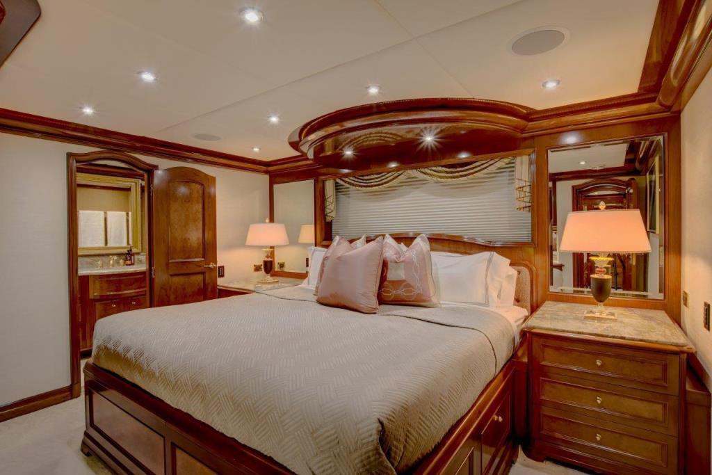 2010 Trinity Yachts Tri-Deck MY Image Thumbnail #30