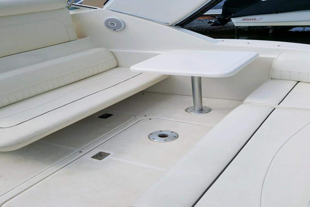 2005 Cruisers Yachts 320 Express Image Thumbnail #5