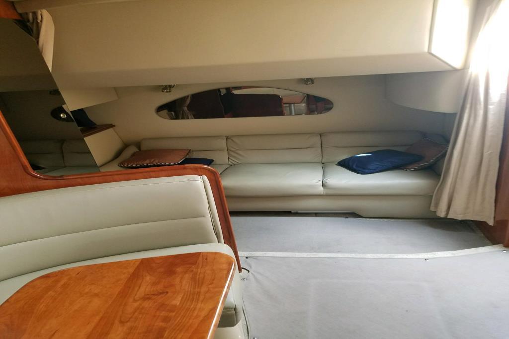 2005 Cruisers Yachts 320 Express Image Thumbnail #8