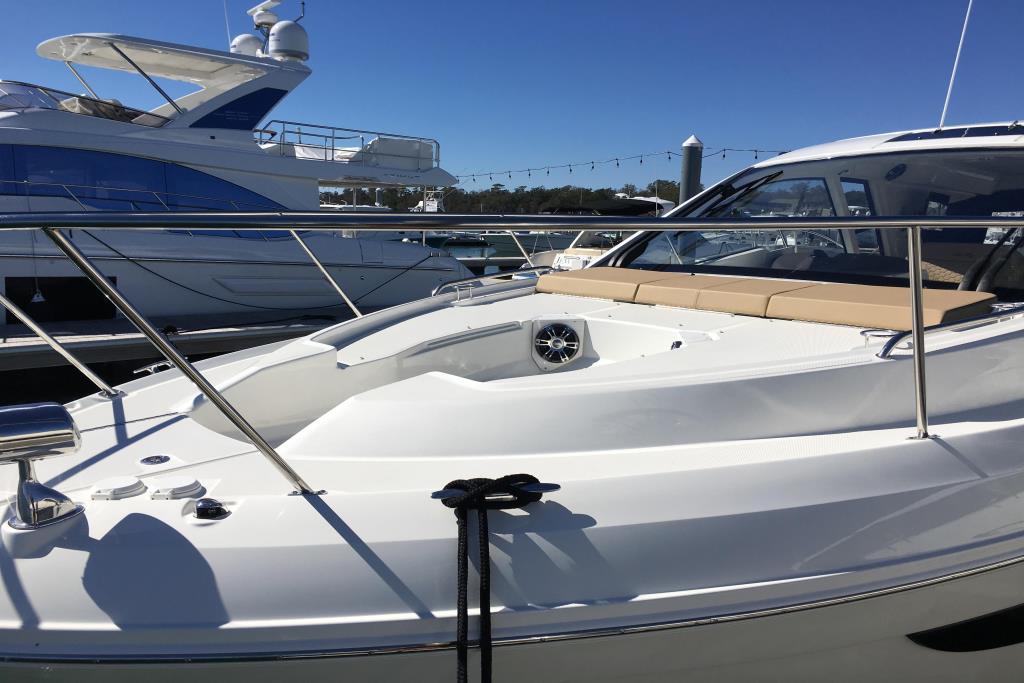 2019 Sea Ray Sundancer 350 Coupe Image Thumbnail #34
