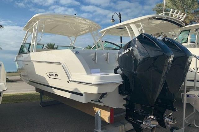 2019 Boston Whaler 270 Vantage Image Thumbnail #2