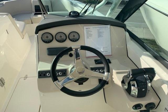 2019 Boston Whaler 270 Vantage Image Thumbnail #8