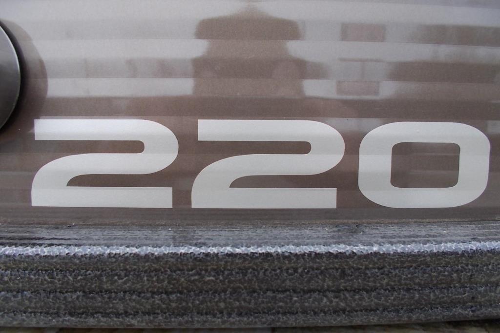 2019 Crest II 220 Image Thumbnail #2
